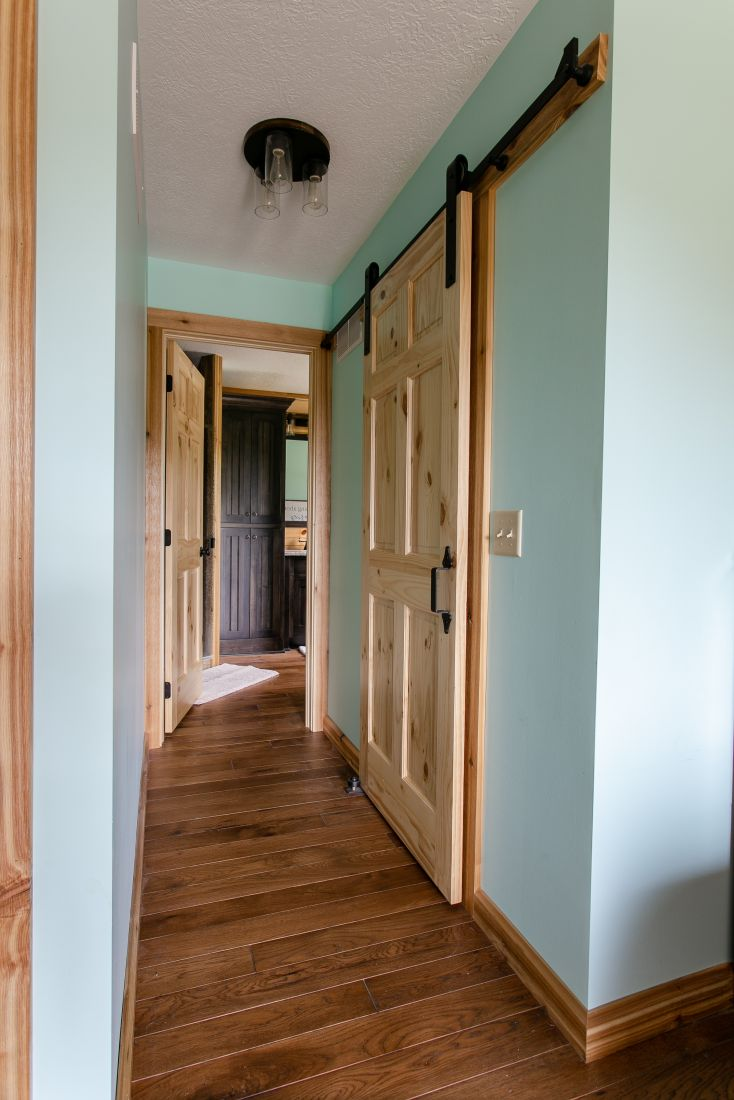 Master Suite Sliding Closet Door