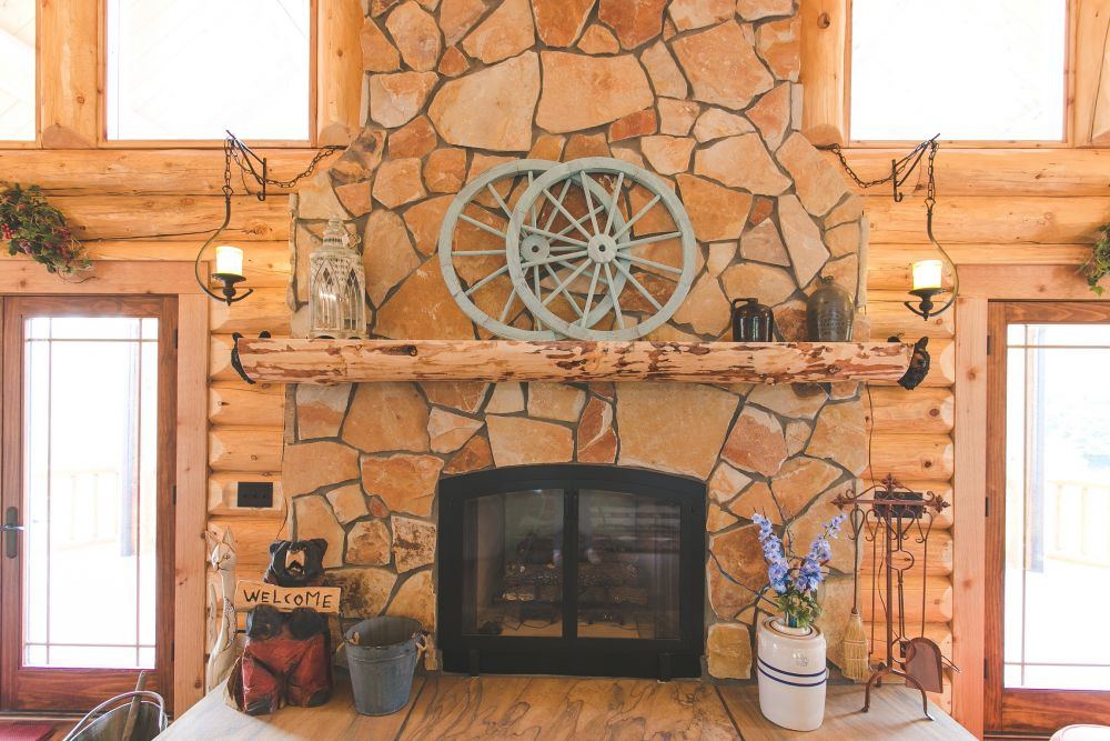 Log Mantle about the Gas Fireplace